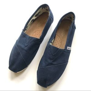 Tom's women's slip-on comfortable flats shoe sz 9